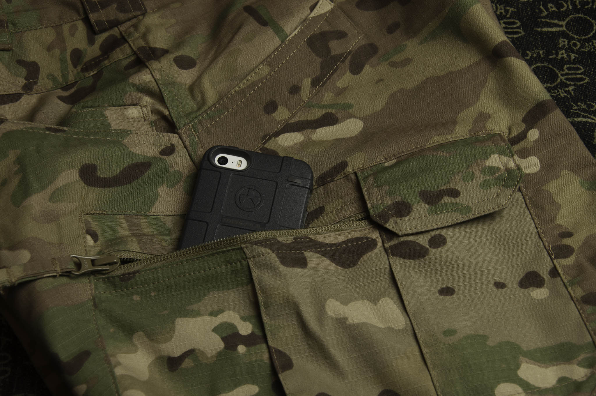 Helikon UTP with an iPhone and a Magpul case